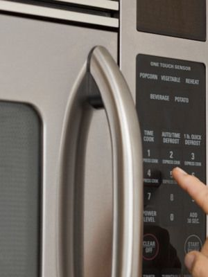 7 Unique Things Your Microwave Can Do