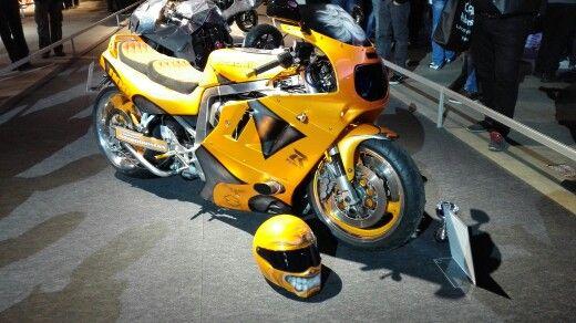 Keltainen kaunokainen!  #mpmessut #mpmessut2016 #moottoripyörä #mprenkaat #mprenkaat-store  Moottoripyörän renkaat myy http://mprenkaat-store.com
