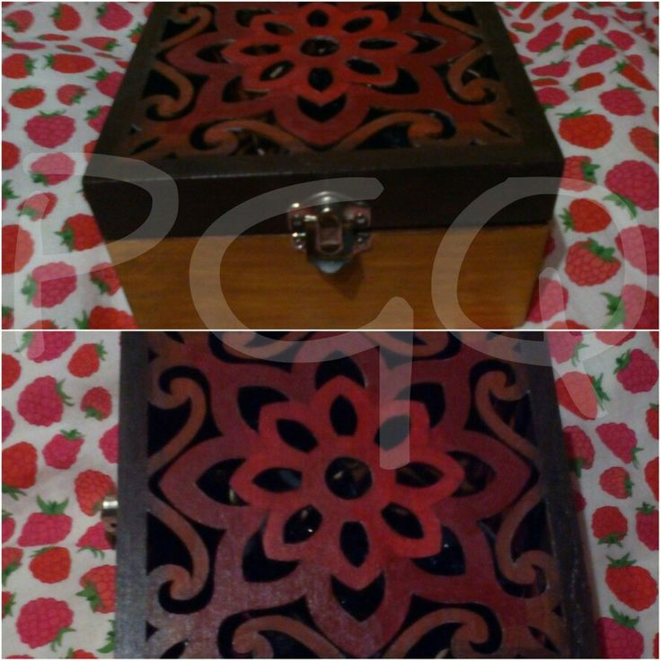 Caja perforada de madera pintada y barnizada a mano