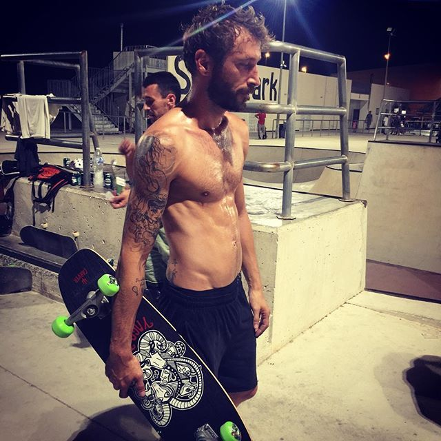 L140 El sudor y los nervios se apoderan de mi!!!!. . . . . . . #carving #carverskate #carver #carverboard #carversurf #carverbowl #surf #surfers #surfskate #skate #boy #guy #model #carvers #tattoo #tatuaje #instatattoo #instatattoo surf,tattoo,surfskate,carvers,guy,carversurf,carver,skate,instatattoo,surfers,boy,model,carving,tatuaje,carverbowl,carverboard,carverskate