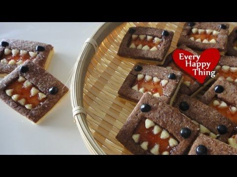 おばあちゃんのお家で娘の誕生日をお祝いした時のケーキです。 持ち運ぶ途中でなんと落としてしまい(アホ)、おなかのクリームがいきなりなめらかになっていますが(笑)大目にみてください★ スポンジの重ね方は適当でもクリームでいくらでもごまかせるので、実はとっても簡単です! We celebrated my daught...