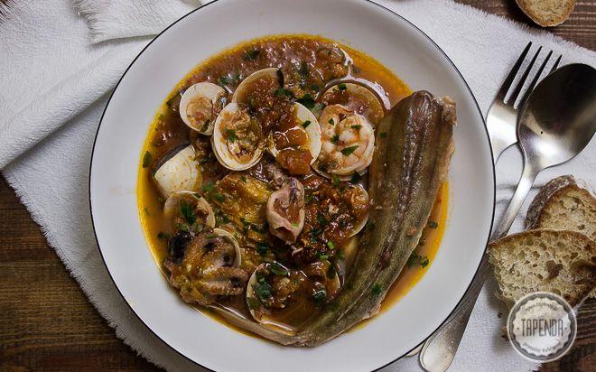 Zupa rybna z czerwonym kurkiem - przepis - Tapenda.pl