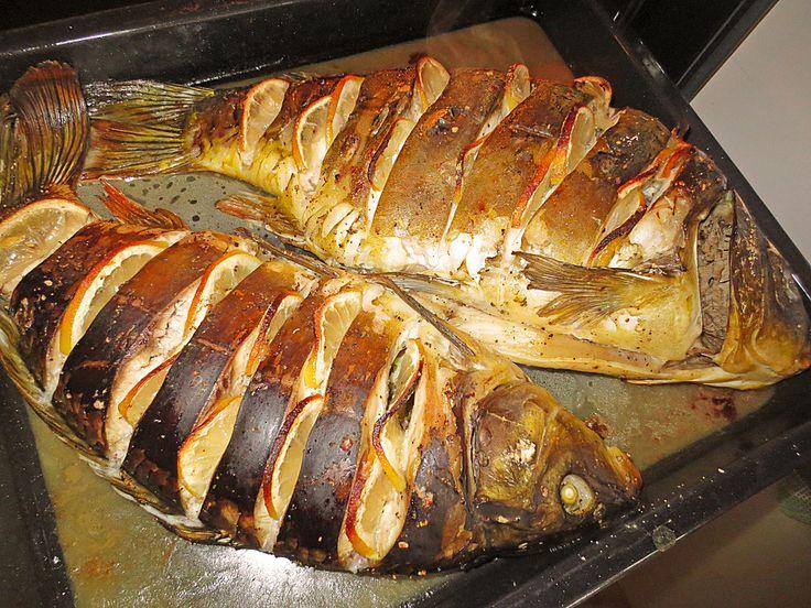 Gebackener Karpfen von Lissy, ein tolles Rezept aus der Kategorie Fisch. Bewertungen: 9. Durchschnitt: Ø 3,9.