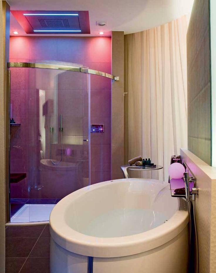 Charming Designs For Girls Bathrooms   Stunning Girls Bathroom Design Idea  with White Oval FreeStanding Bathtub and Glass Door Cloistered Shower Area  also. Best 25  Girl bathroom decor ideas on Pinterest   Guest bath