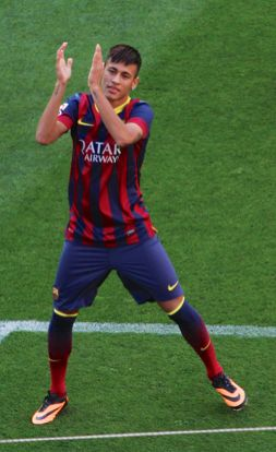 Neymar Jr wearing de Hypervom Phantom Black/Citrus for his first time in the Camp Nou (Fc Barcelona)