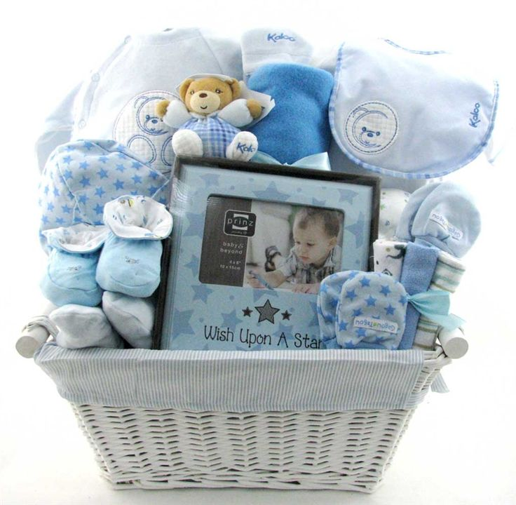 Kaloo is a brand for babies and small children. They distribute their popular baby bootees models.