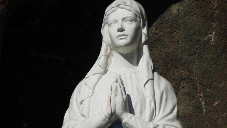 #No hay sangre humana en la imagen de la gruta de Lourdes, en San Pedro de Colalao - La Gaceta Tucumán: La Gaceta Tucumán No hay sangre…