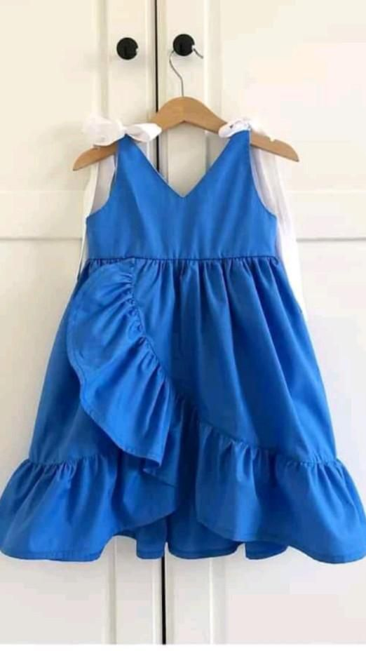 Baby Frocks Designs, Kids Frocks Design, Baby Girl Dress Patterns, Baby Dress, Toddler Dress, Frocks For Girls, Little Girl Dresses, Baby Girl Fashion, Kids Fashion