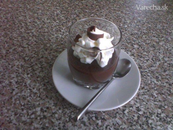 Lahodný čokoládový dezert v pohári