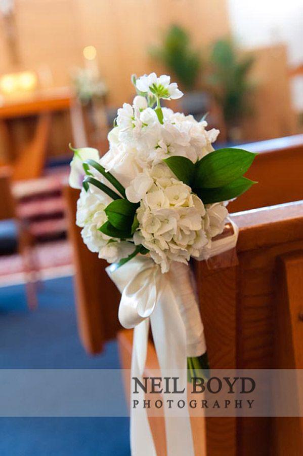 flores para boda iglesia  www.pinterest.com/micuentodehadas