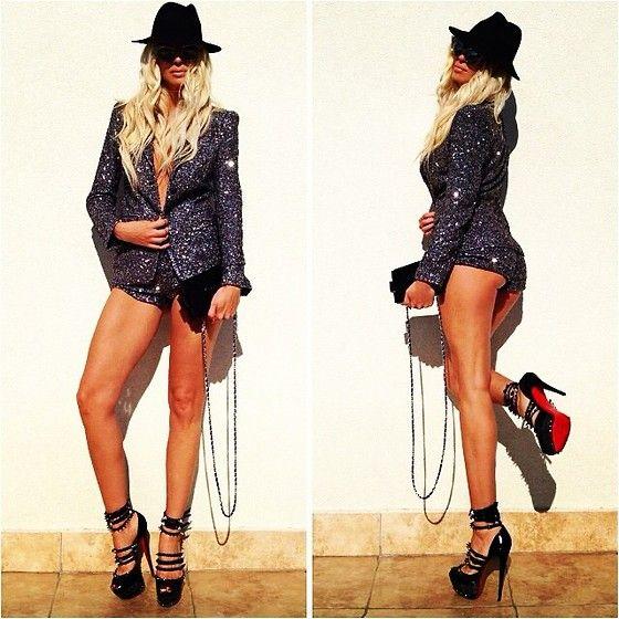 Dsquared Blaiser, Dsquared Shorts, Chanel Bag, Christian Louboutin Shoes  Jelena Karleusa