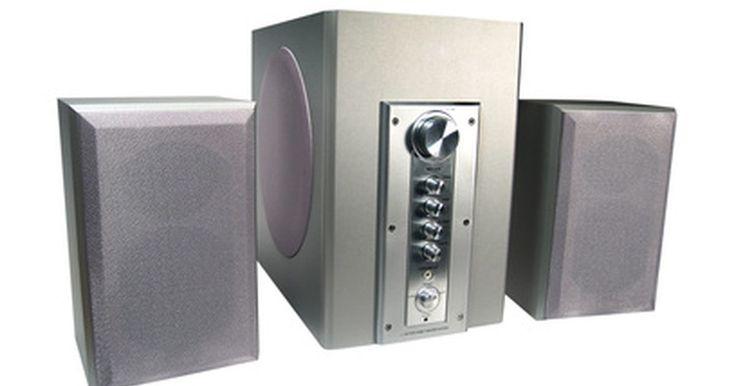 ¿Cómo calcular la longitud del puerto de una caja de subwoofer?. Los altavoces de bajos profundos añaden profundidad y sonidos graves a los sonidos que se reproducen a través de tu sistema de altavoces. Una forma de mejorar el sonido de un altavoz de bajos profundos es agregar puertos en tu caja de altavoz de bajos profundos, unos tubos hacen que el sonido se entube desde el interior de la caja. De forma ...