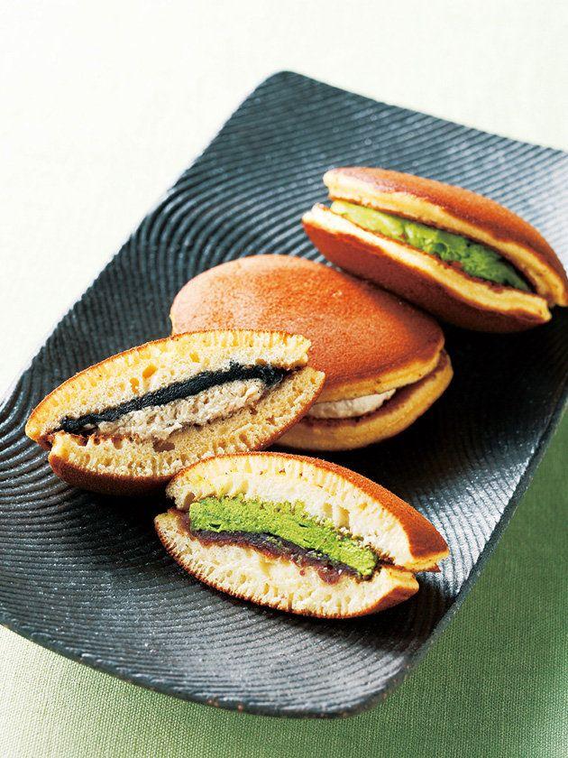 Dorayaki, Japanese Pancake Sandwiches with Matcha and Sesame どら焼き