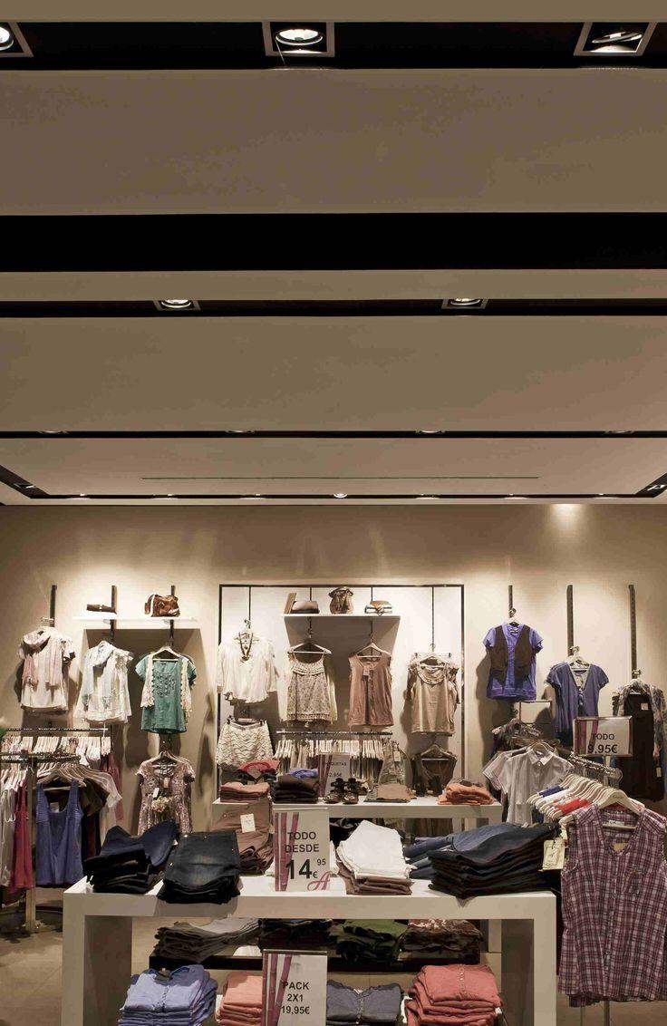 MULTIDIR #technical #TheOne2017 #retail #lights #lighting