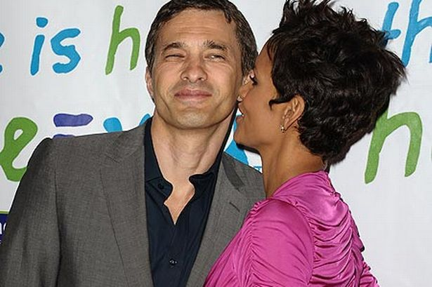 10 best images about Halle Berry kissing compilation on ...