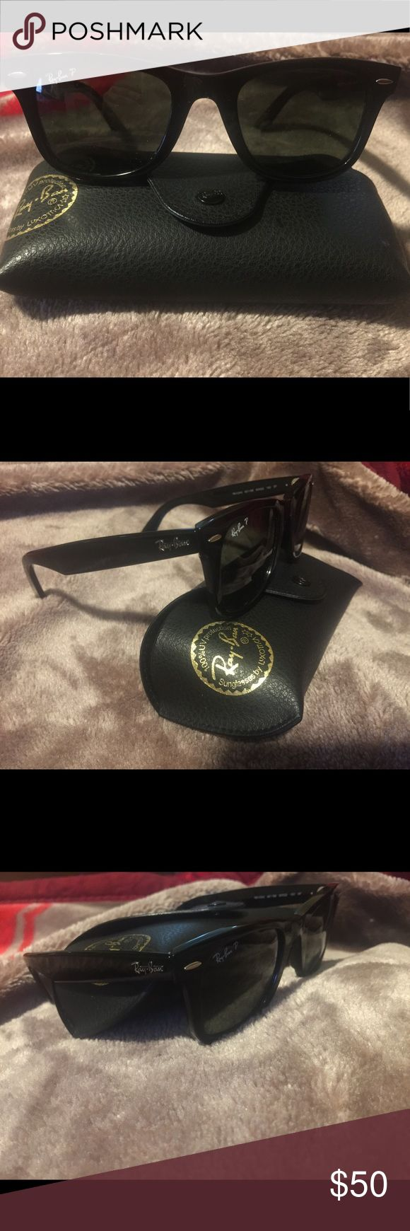 Ray Ban Original Wayfarer Black Black Original Wayfarer *women's?* / In excellent condition / Selling with case Ray-Ban Accessories Sunglasses