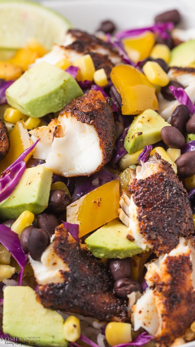 Healthy, fresh, gluten free Blackened Fish Taco Bowls recipe! Cook it in minutes…