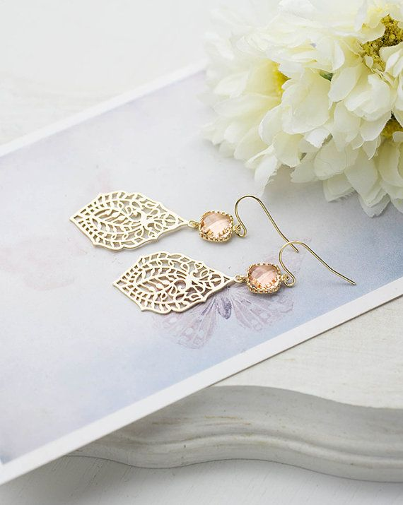 Goud en perzik oorbellen Paisley filigraan Dangle door LeChaim