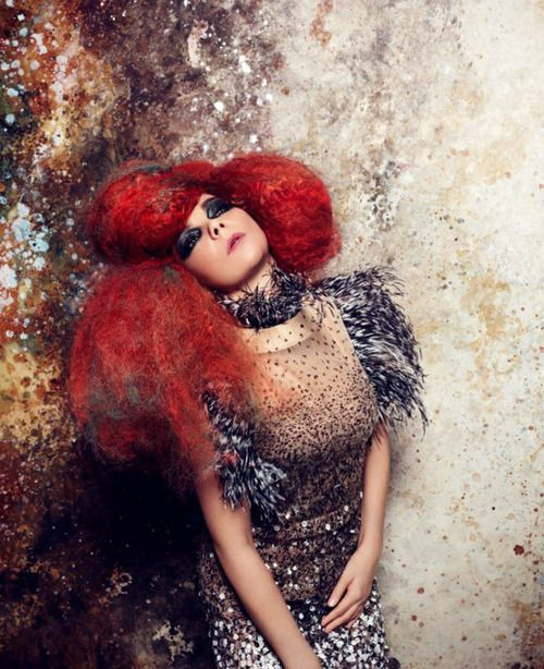 Bjork, looking like a Gustav Klimt painting. A total inspiration. There is literally nobody like her. Always imaginative. Never ashamed of who she is and how fantastic she is!