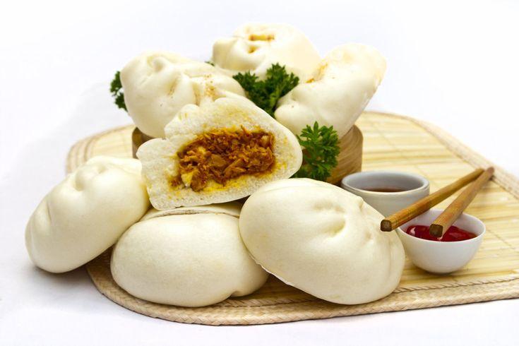 Anda mungkin sudah tau apa itu bakpao! ya bakpao adalah makanan tradisional Tionghoa yang sudah terkenal di Indonesia. Nah bagi yang suka...