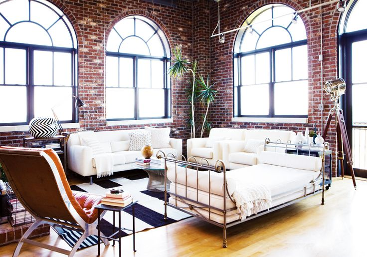 A Fresh, Layered Atlanta Loft// brick walls, vintage daybed: Living Rooms, Living Spaces, Brick Wall, Loft Style, Modern Loft, Loft Spaces, Atlanta Home, Exposed Brick, White Furniture