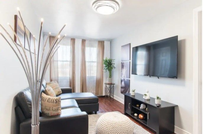 Garden View 3 Private Entrance Free Parking Apartments For Rent In Quincy Massachusetts Usa Cute Living Room One Bedroom Apartment Furnished Apartment