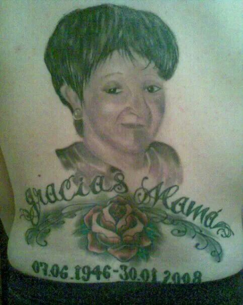 Mamá homenaje