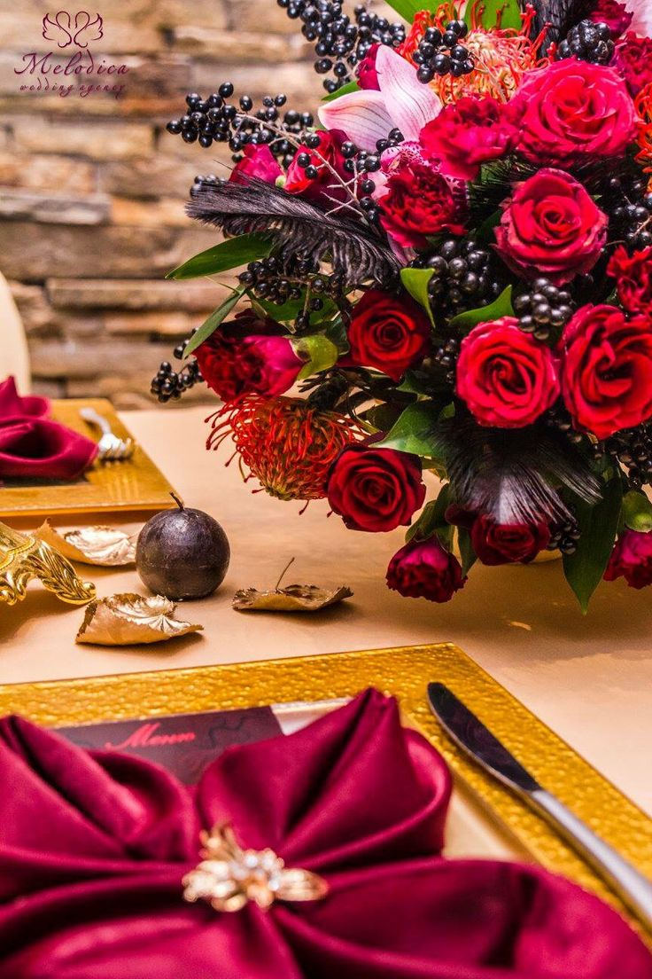 A detail from the marsala, black and gold wedding decoration by Melodica Wedding Agency!