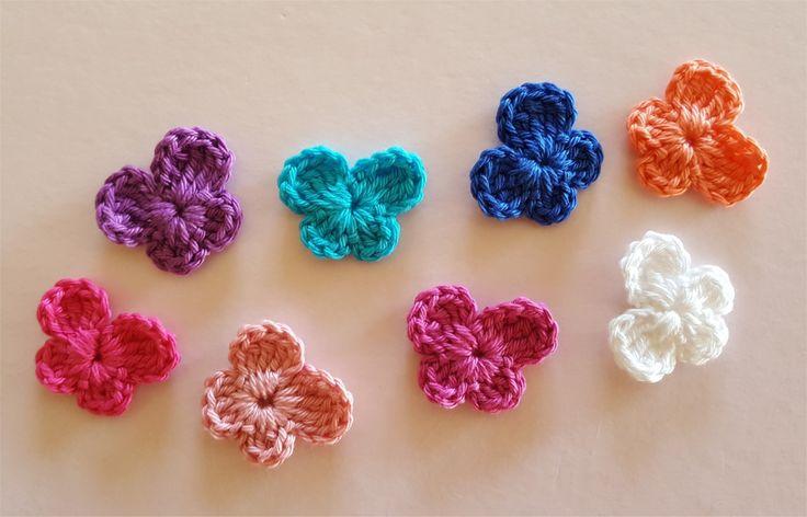 Lot de 8 appliques papillons multicolores au crochet : Autres pièces pour créations par atelier-crochet