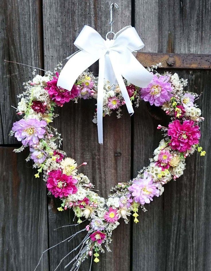 Srdíčko+velké+Velké+atypické+srdce+k+zavěšení,+svatební+dekorace,+přivítání+nevěsty...šířka+srdíčka+33+cm,+výška+celého+závěsu+52+cm.