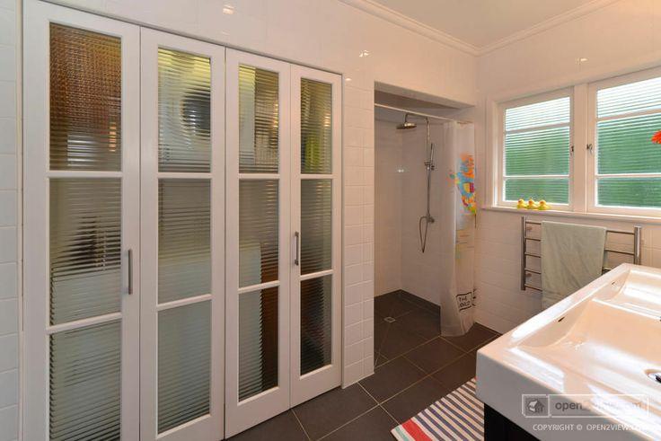 Shower/Laundry Room