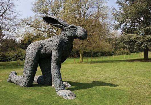 An amazing Rabbit/Human sculpture by Sophie Ryder #followart