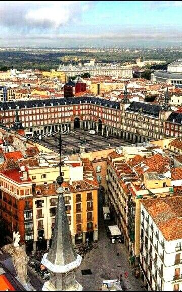 Plaza Mayor una de las zonas mas antiguas de Madrid