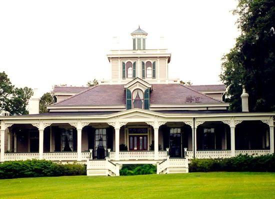 Rip Van Winkle Gardens of Jefferson Island. #Louisiana #gardens