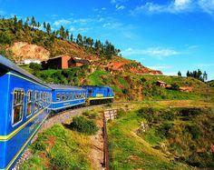 世界遺産 クスコからマチュピチュへ行く列車 クスコ市街の絶景写真画像  ペルー