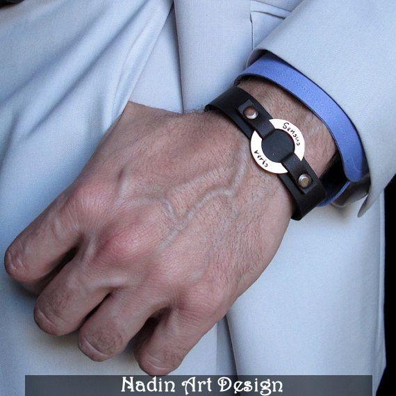 Herren Leder-Armband mit Gravur. Moderner Schmuck von NadinArtDesign auf DaWanda.com