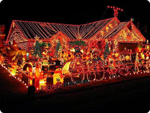 Top 10 Worst Christmas Decorations4 Jpg 500 375 Houseschristmas Stuffchristmas House Decorationslight