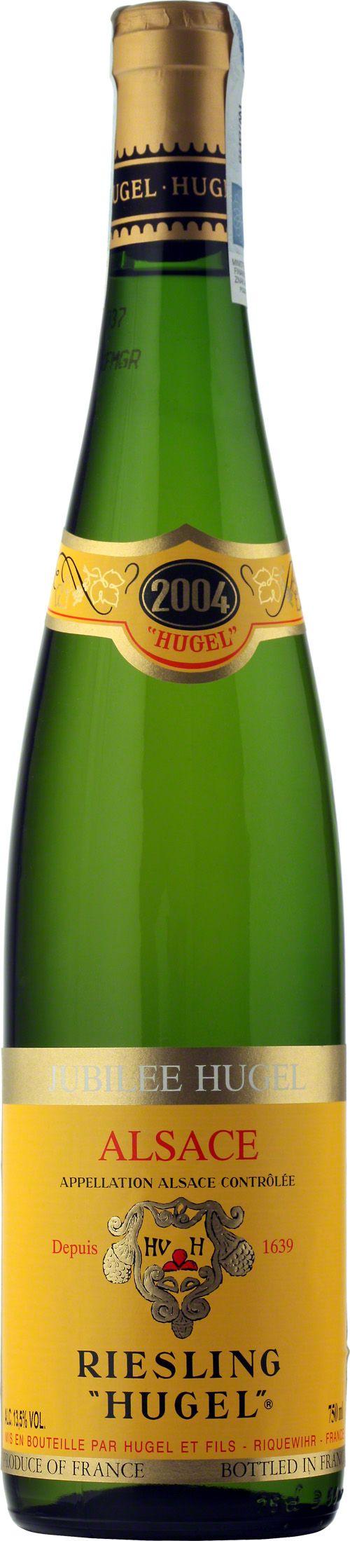 """Jubilee Hugel Riesling """"Hugel"""" Alsace A.O.C. Seria win Jubilee wytwarzana jest tylko w najlepszych latach, a owoce pochodzą z własnych winnic należących do rodziny Hugel, położonych na wzgórzach Schoenenbourg. Rieslinga Jubilee charakteryzuje owocowo-kwiatowy bukiet, w którym można wyróżnić zapachy lilii, kwiatów bzu, agrestu połączone z cytrusowo-mineralną nutą. Wino wytrawne, wielkiej klasy, eleganckie i długowieczne. #Wino #Winezja #Hugel #Riesling #Alzacja"""