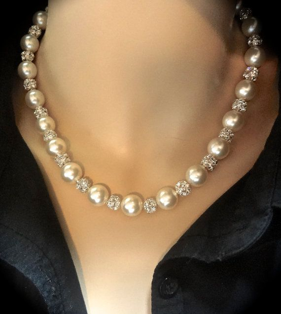 Pearl necklace // Brides necklace // by QueenMeJewelryLLC on Etsy, $72.99
