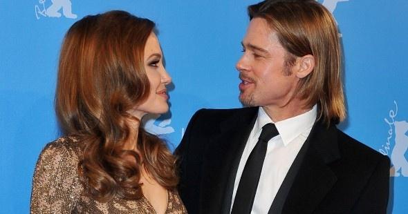 Angelina Jolie le regaó un helicóptero a Brad Pitt, para sacarle partido al helipuerto de su castillo en Francia, que estaba sin usar el pobre...