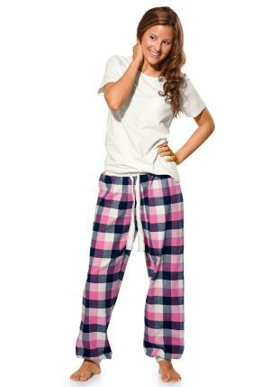 I love those pyjama pants :)