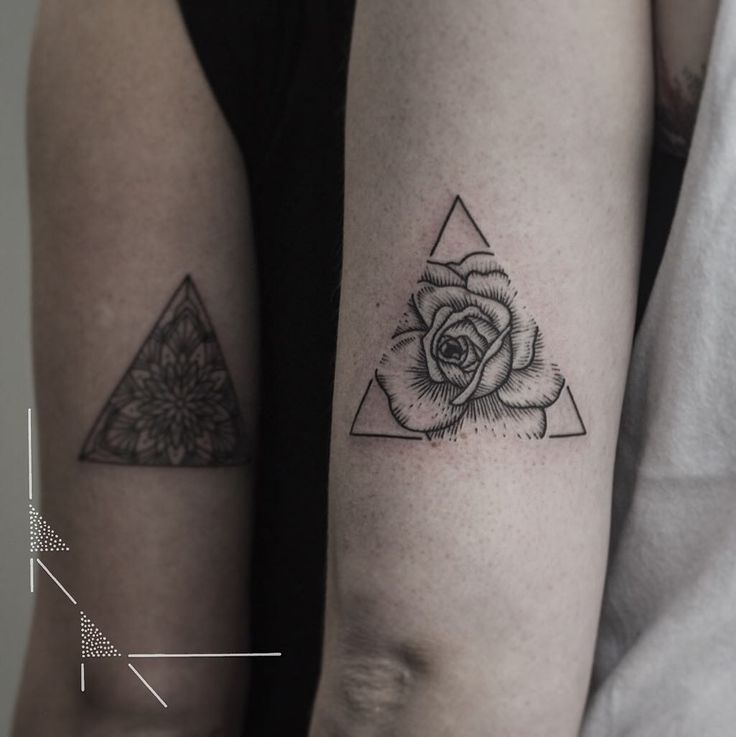 Rose triangle for María thank you! #rachainsworth #rosetattoo #triangletattoo #floraltattoo #berlintattoo #flowertattoos