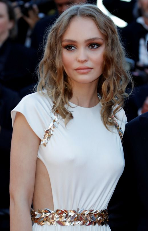 683 best images about lily rose depp on pinterest natalie portman johnny depp and princess style. Black Bedroom Furniture Sets. Home Design Ideas