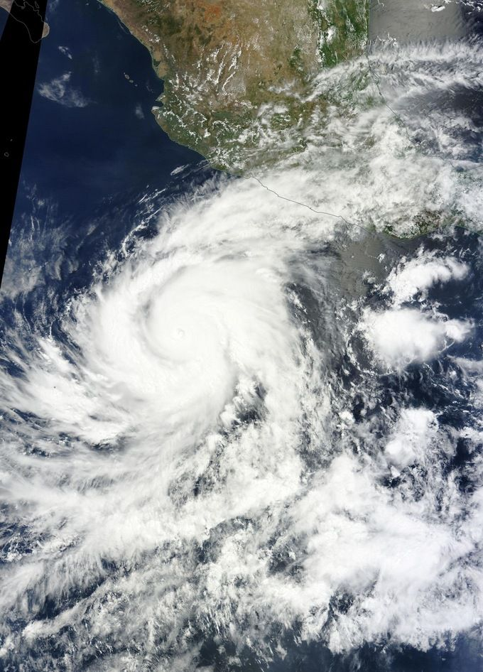 Blanca expected to become the earliest Category 5 hurricane in the eastern Pacific  by Adonai 6/4/15