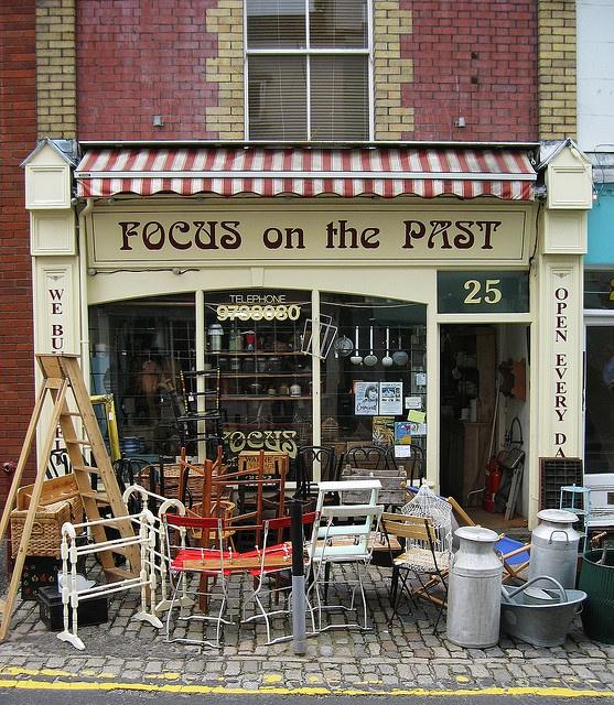 """""""Focus On The Past"""" Antique Shop ~ Clifton, Bristol, UK"""