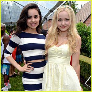 Dove Cameron & Sofia Carson Are a 'Descendants' Duo at JJ's Summer ...