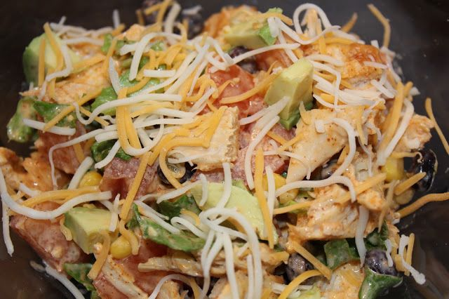 A busy college graduate finds time to cook healthy: Taco Chicken Salad - 227 Calories!