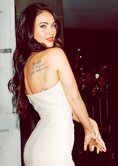 Megan Fox bare back tattoo red lips