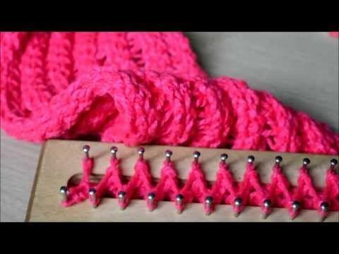 Cómo tejer una bufanda básica con telar rectangular en punto cruzado - YouTube