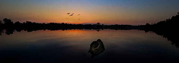 Sonnenuntergang am See by Michael Doninger
